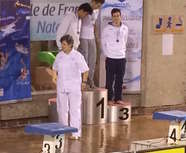 20-12 NATIONAL 2 ARNAUD CAPITAINE SUR LE PODIUM DU 50M PAPILLON